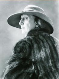 Mitchell, Gladys
